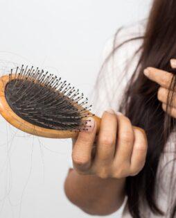 Основные причины выпадения волос в Киеве - изображение